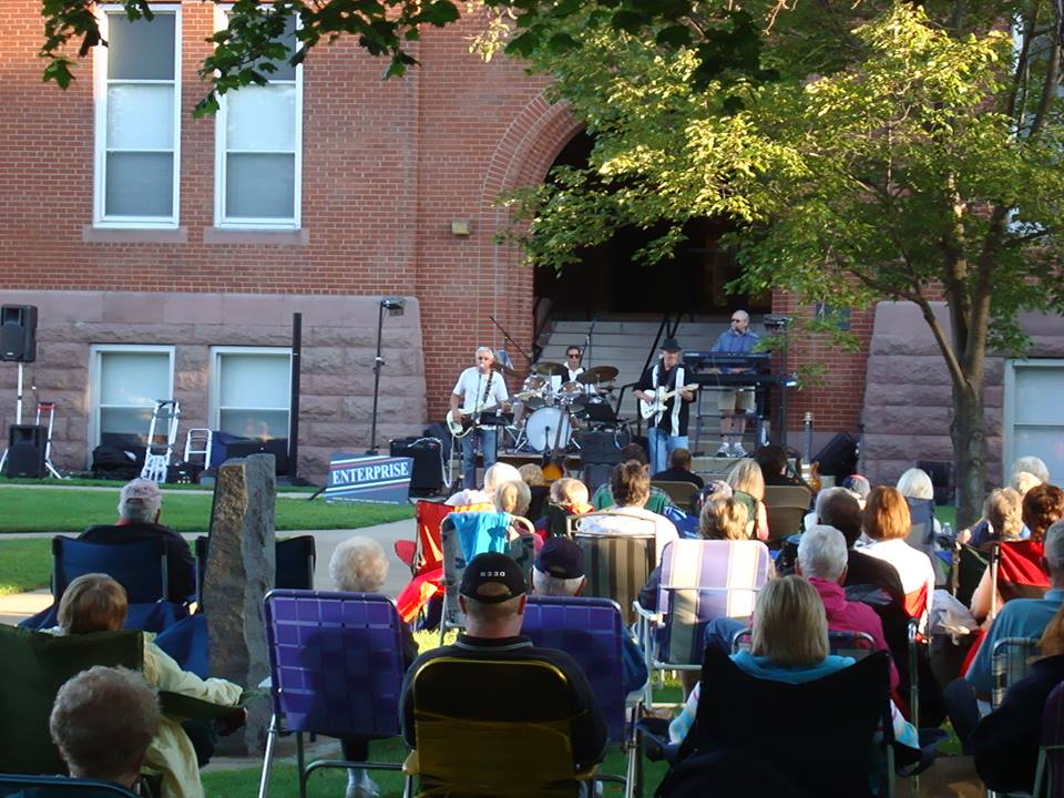 courthouse lawn concert in august