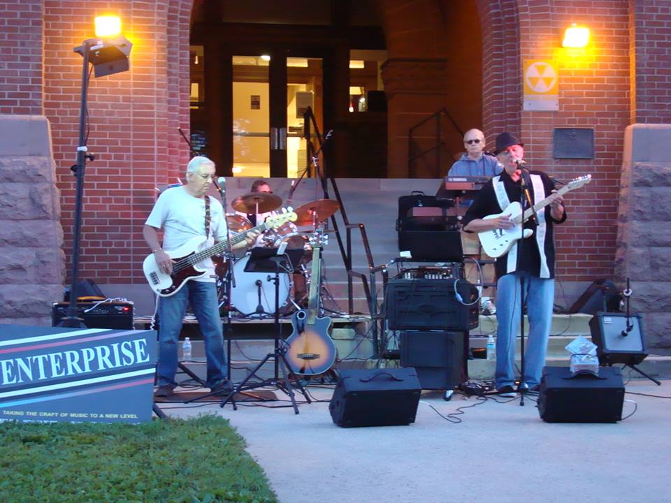 courthouse lawn concert in august 2015