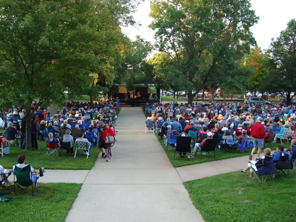 concert on the courthouse lawn in alexandria mn