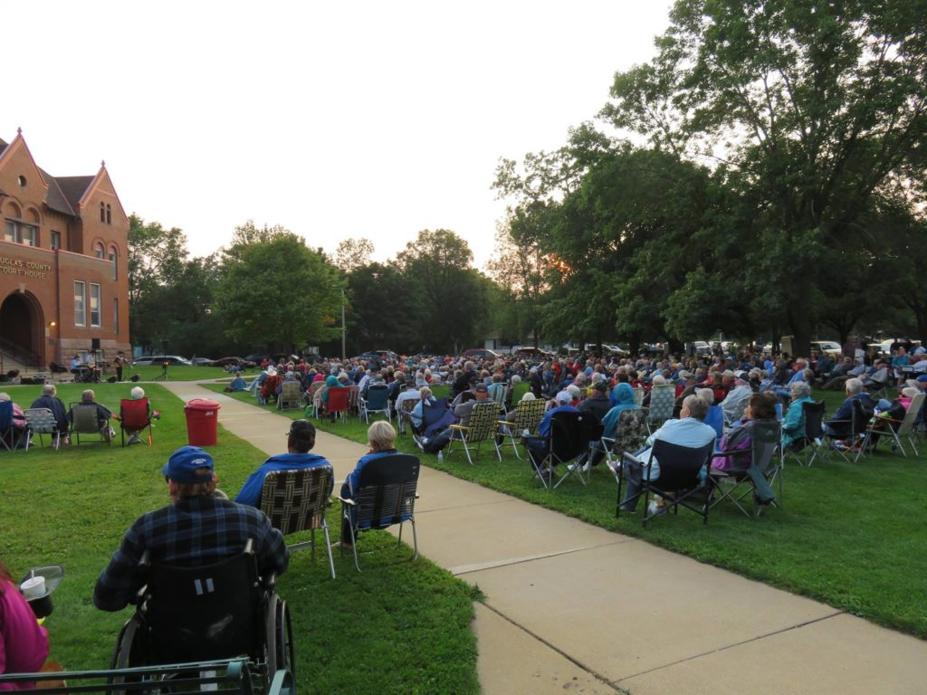 concert at courthouse lawn