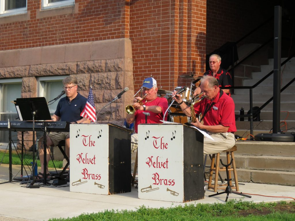 july 4th courthouse lawn concert