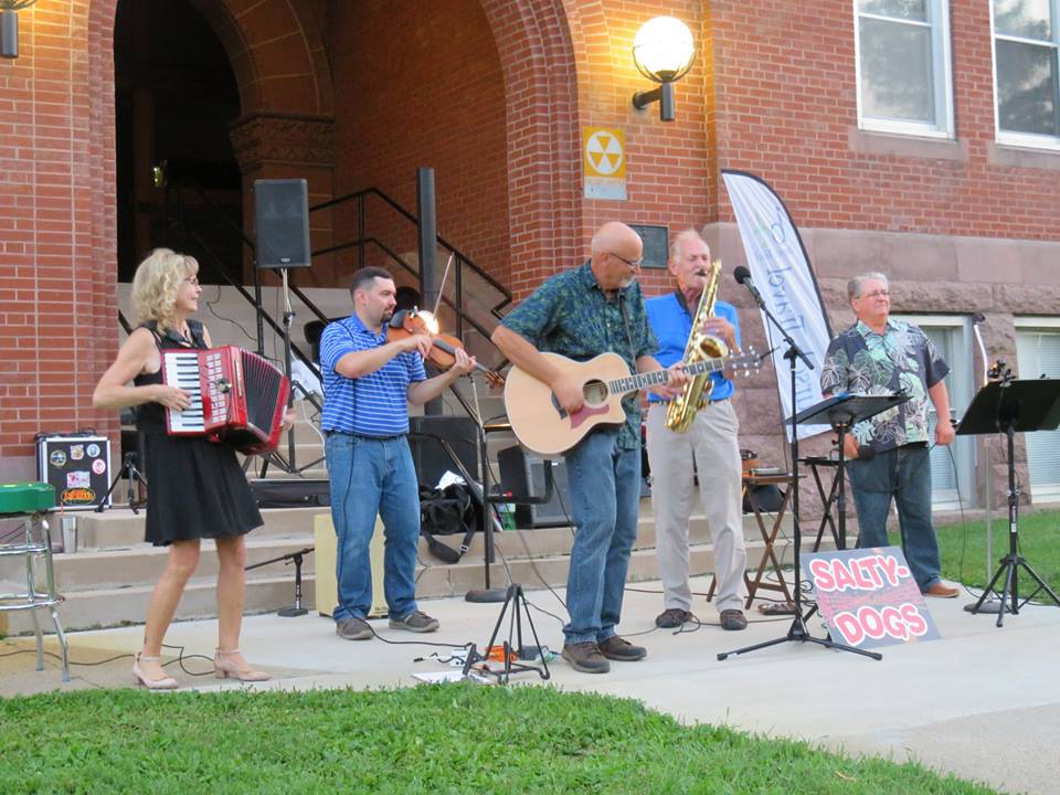 concert on the courthouse lawn in alexandria