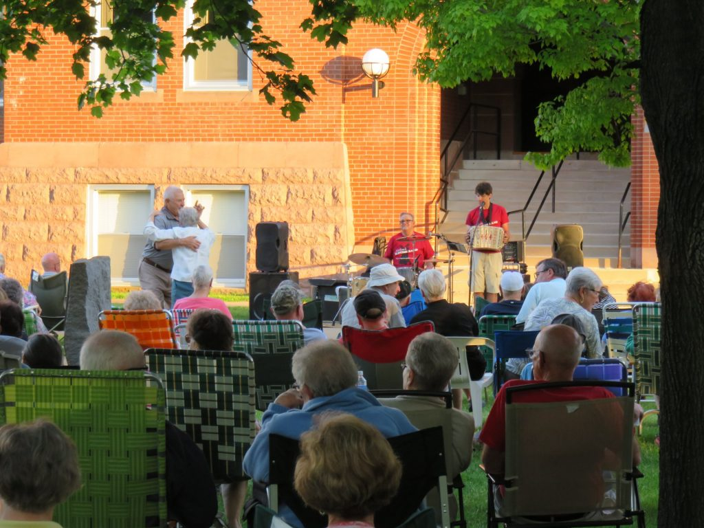 concert on lawn nathans old time band
