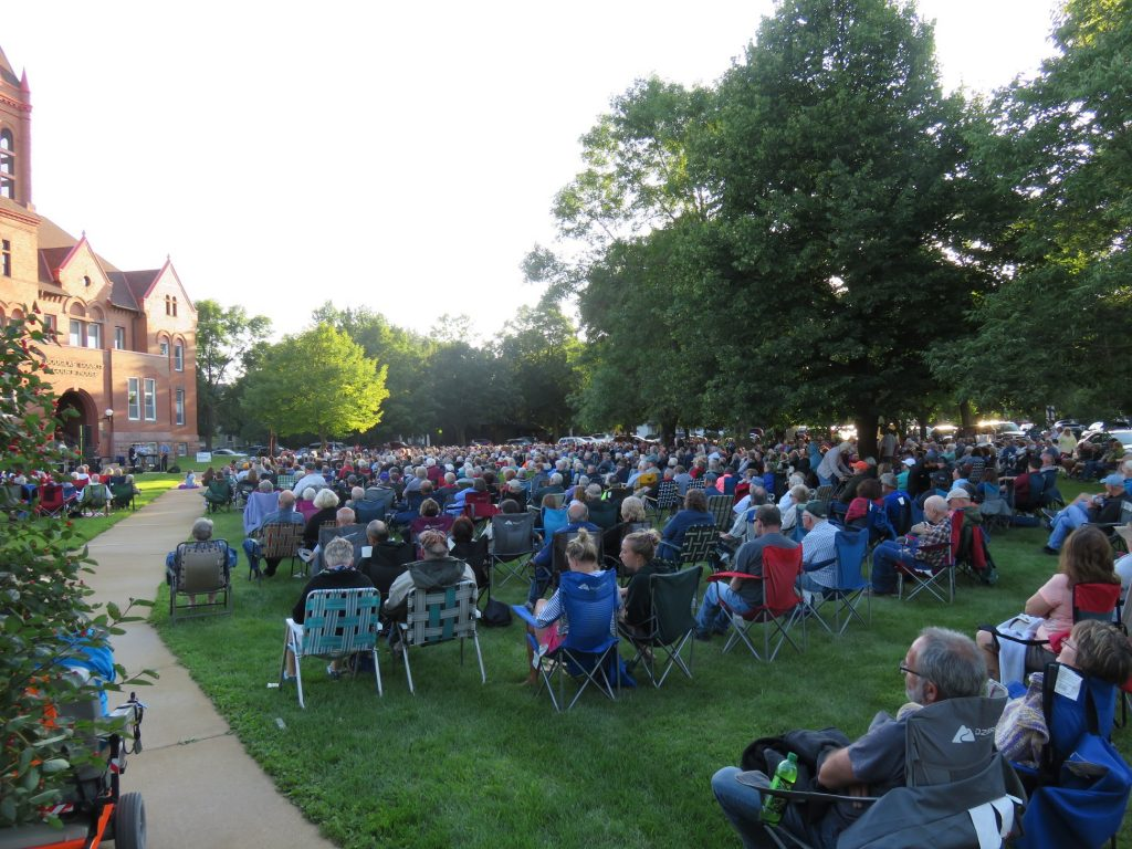 concert on the courthouse lawn alexandria mn