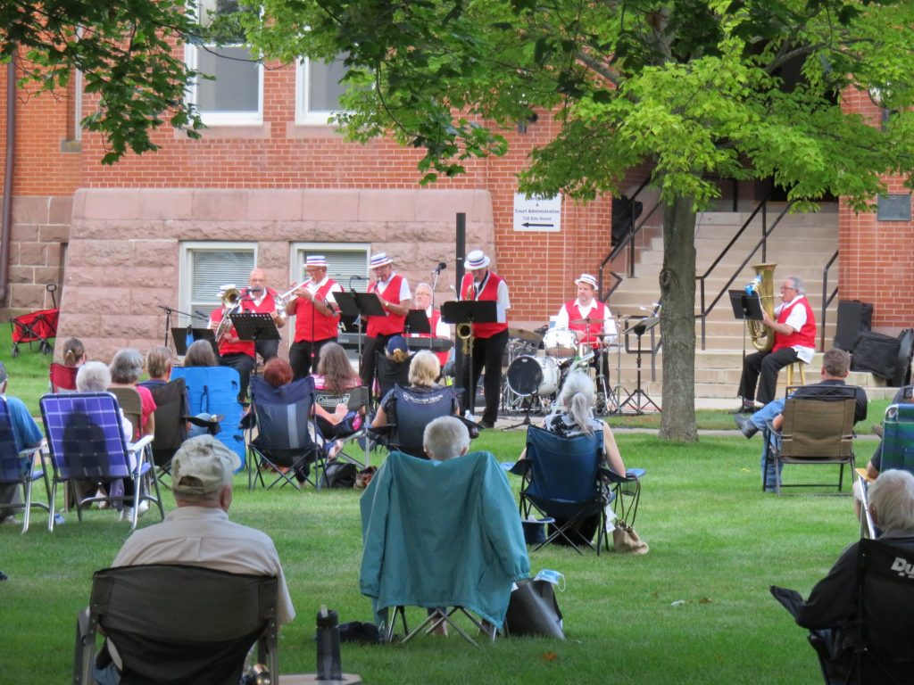 concert on the lawn alexandria mn